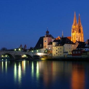 Regensburg-steinerne-Bruecke-neu